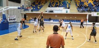 Cu un pas în Final Four: Olimpia Braşov – FCC Arad 60-66!